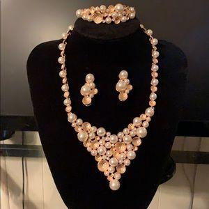 Pearl Statement Jewelry Set